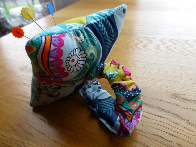Wristlet Pin cushion tutorial
