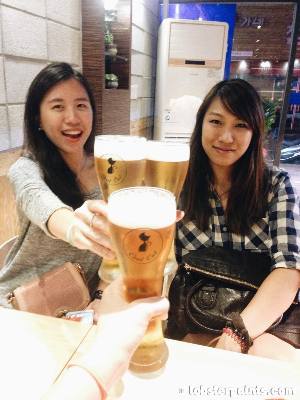 27 Sep 2014: Chicken & Beer at Cool Cat   Busan, South Korea