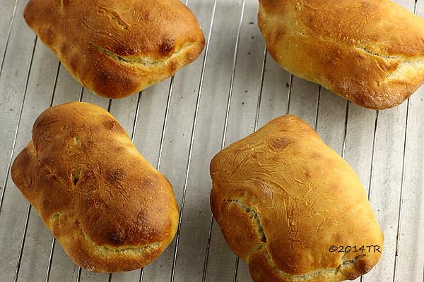 《法國麵包教父的經典配方》原味拖鞋麵包 La ciabatta nature @ 松露玫瑰 :: 痞客邦