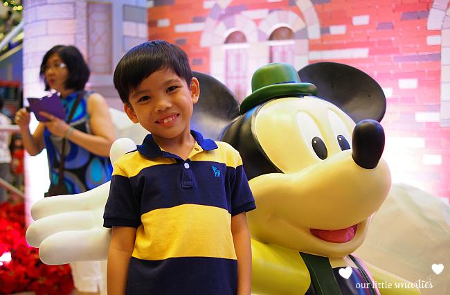 Changi Xmas 4
