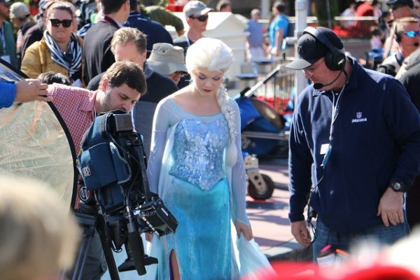 frozen christmas celebration parade taping at walt disney world