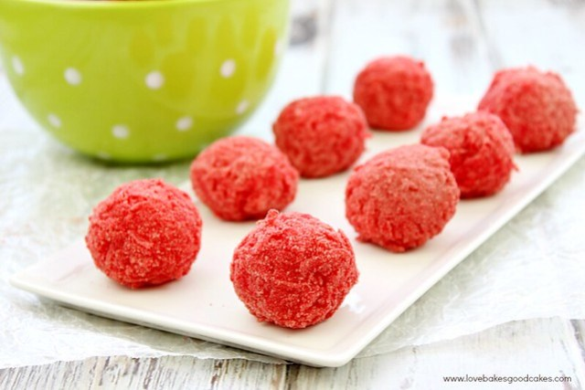Raspberry Zinger Balls - tastes just like the snack cake!