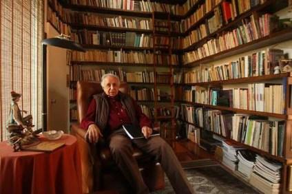 Vicente Leñero (1933-2014), en imagen del 26 de noviembre de 2009, durante una entrevista con La Jornada. Foto Carlos Ramos Mamahua