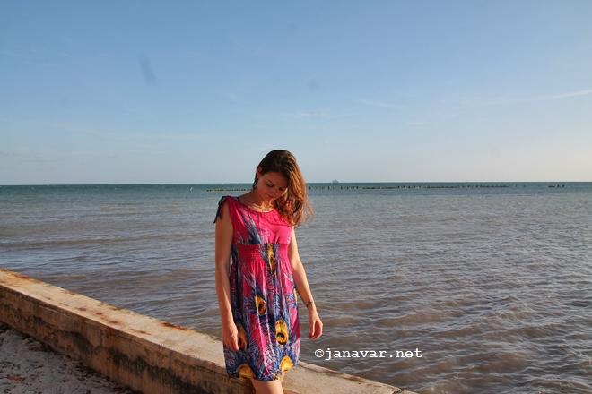 janavar.net-key west-outfit-beach-2