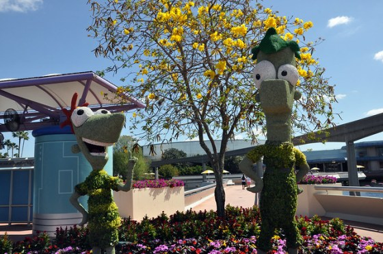 Phineas and Ferb Topiary