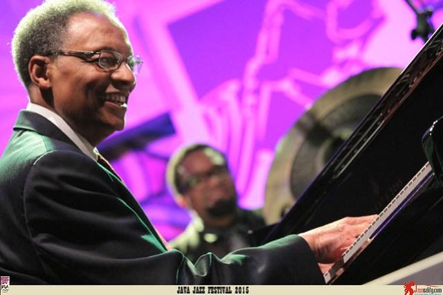 Java Jazz Festival 2015 Day 3 - Ramsey Lewis