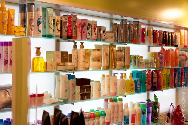 49 Oriflame Concept store in Stockholm