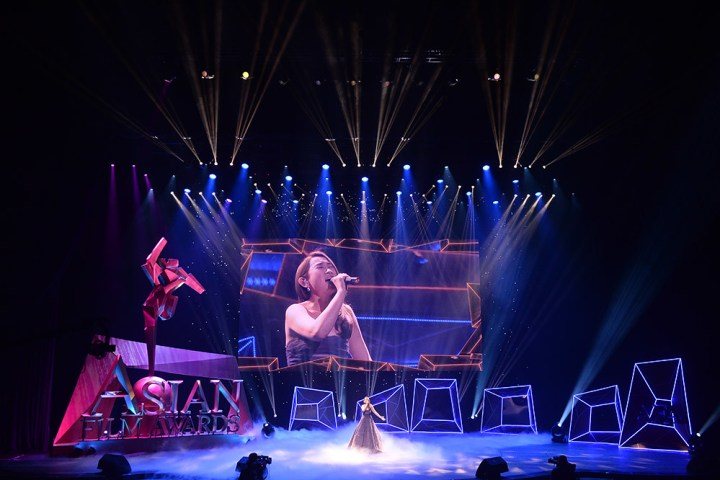 Ivana Wong singing on stage