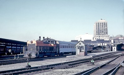 GN NW2 106 at St. Paul Union Depot, June 3, 1964