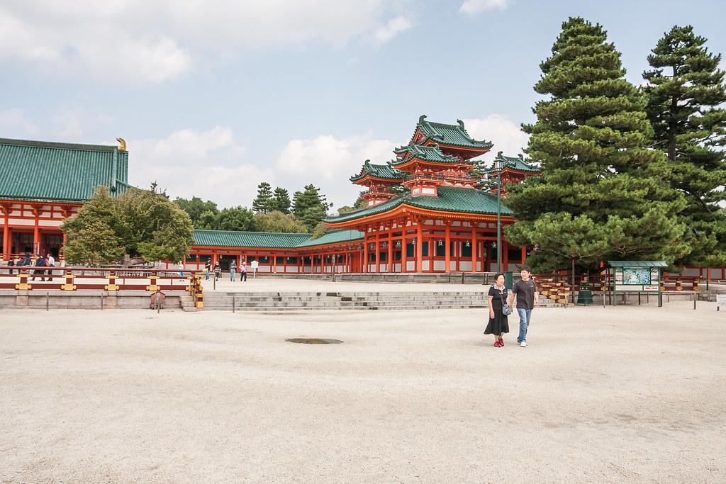 Saturday walk at the Heian Shrine