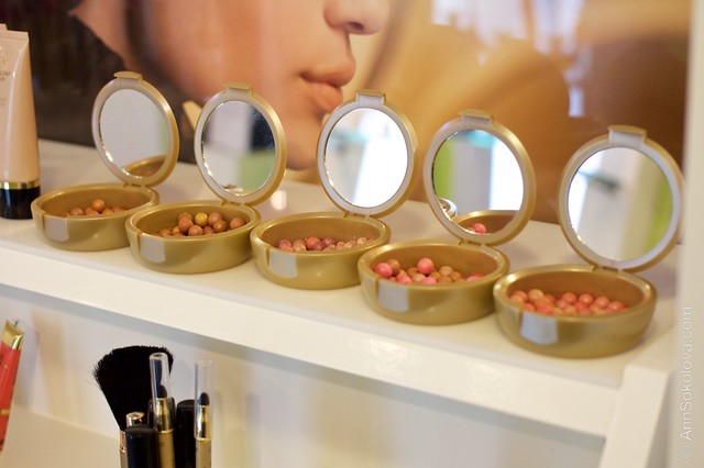 54 Oriflame Concept store in Stockholm