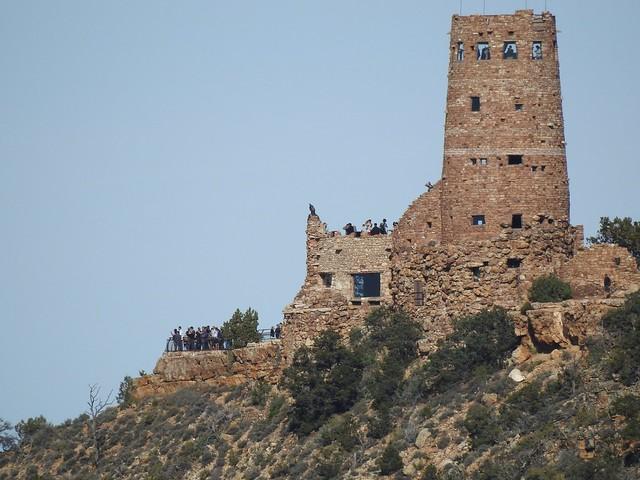 туристы на часовой башне