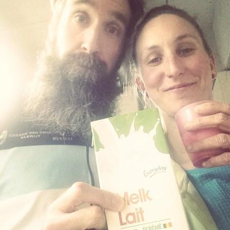 Echte lopers herken je aan de melk #melk #recuperatie #marathontraining #ParisMarathon
