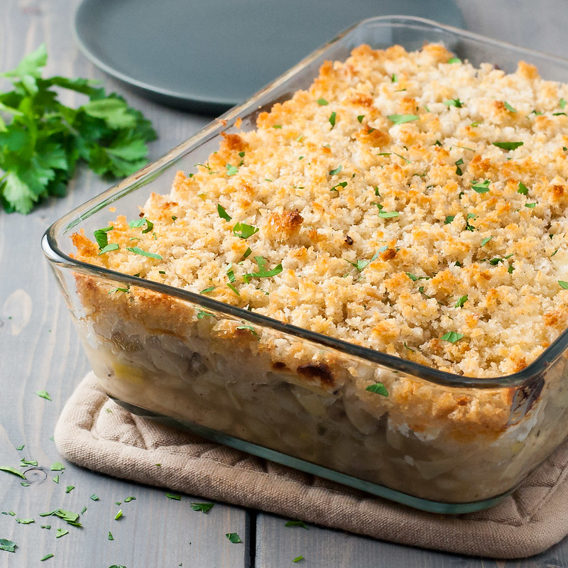 Creamy, protein-packed white bean and artichoke gratin with goat cheese