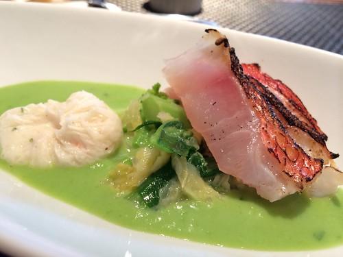 前菜 金目鯛の炙りとホタテのすり身のグリンピースソース@エテ
