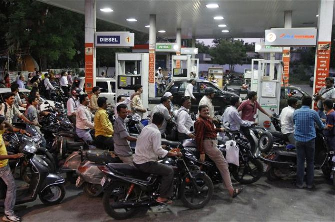 INDIA-PETROL-PRICE-HIKE/