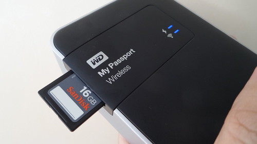 WD My Passport Wireless มีสล็อตอ่าน SD Card ในตัว