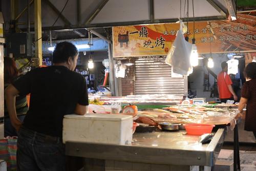 水仙宮市場の泡立ち紅茶屋