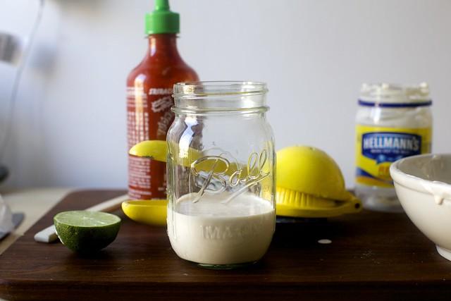 citron vert, sriracha et mayonnaise, ne vous battez pas