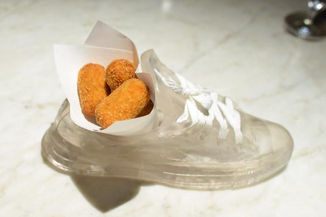 Croquetas de Pollo chicken-bechamel fritters