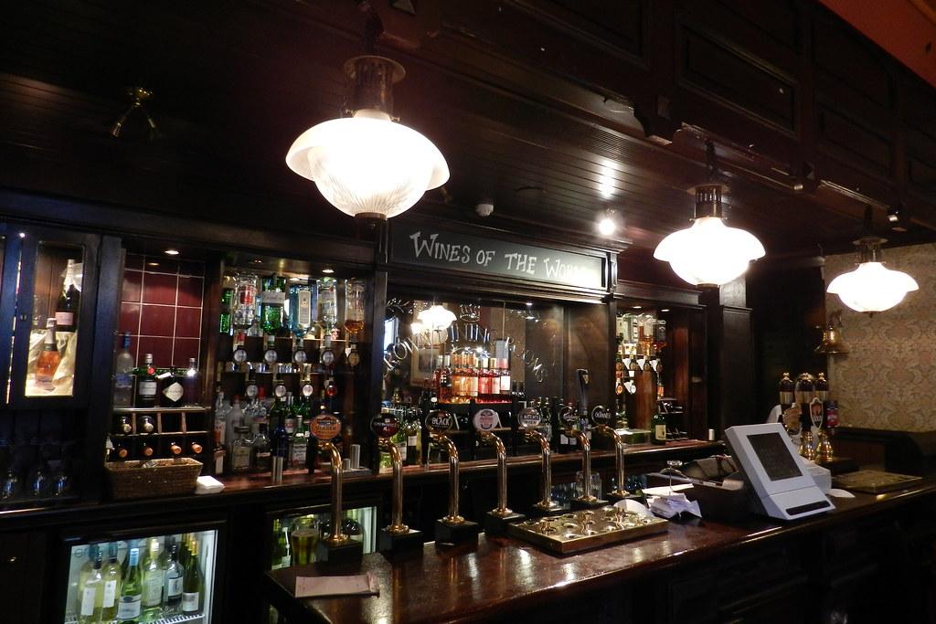 Pub The Crown Liquor Saloon Belfast Ulster Irlanda del Norte 05