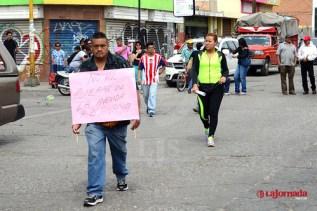 Manifestantes bloquean la B. Anaya