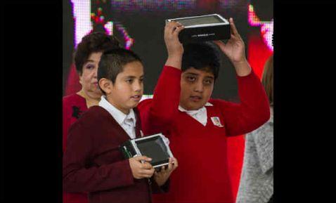 IUSA gana licitación por 120 mdd para entregar tabletas en primarias