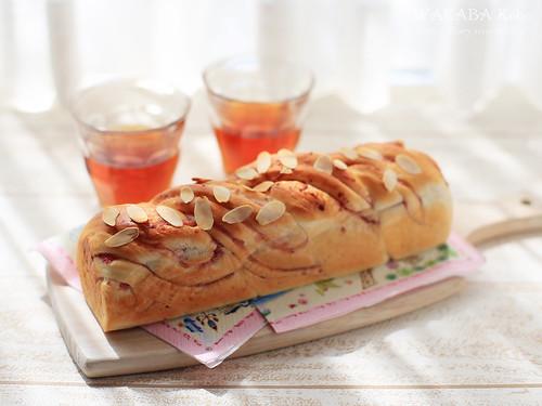 いちごツイストスリム食パン 20150418-21-IMG_0449