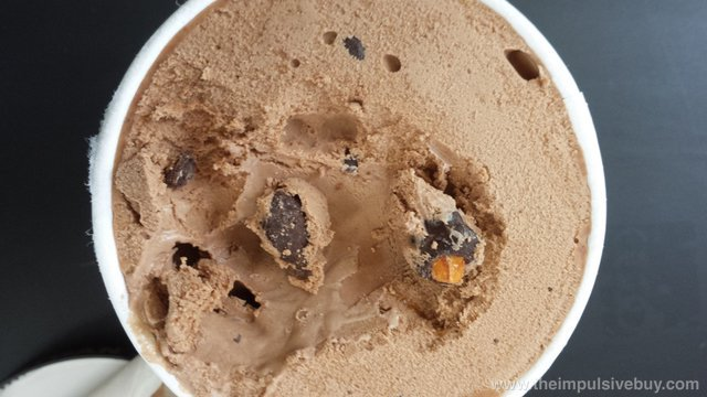 Haagen-Dazs Artisan Collection Spiced Pecan Turtle Ice Cream Closeup