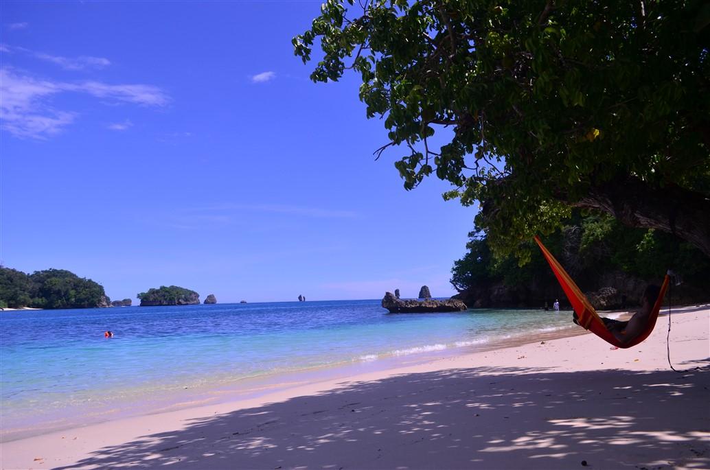 19 Pantai Cantik Yang Bisa Kamu Temukan di Malang Update