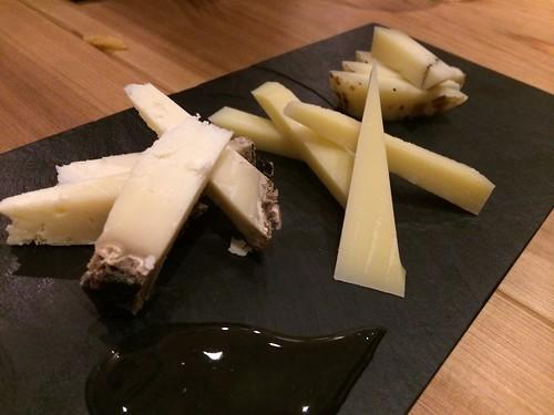 チーズの盛り合わせは追加で@キョウヤ クチーナ イタリアーナ