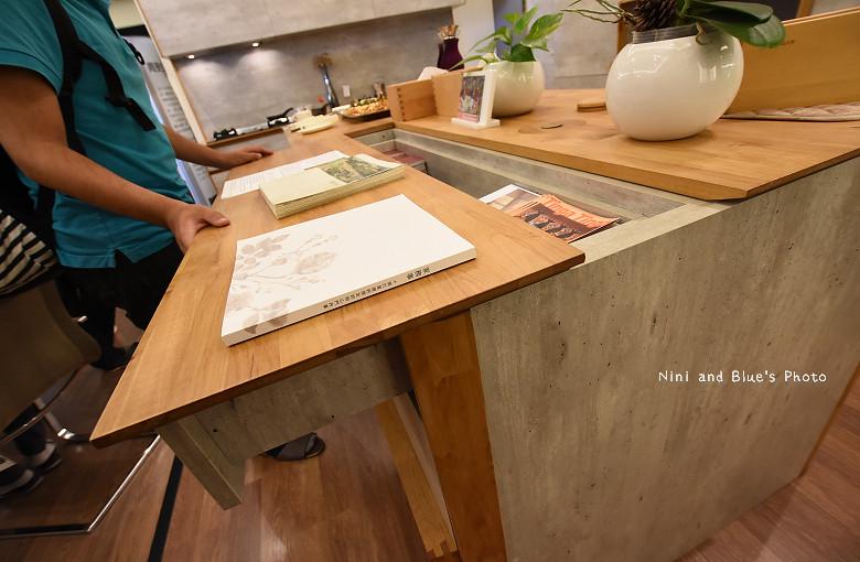 台中環中路家具沙發廚具系統櫃傢櫥周旻虹畫展45