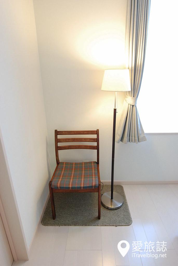 oak kitchen table hutch for 《美瑛民宿推荐》绘织之丘:美瑛乡间清爽有型的特色民宿|爱旅博客