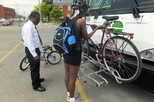 2015 12 mounting bike onto GO Bus_300