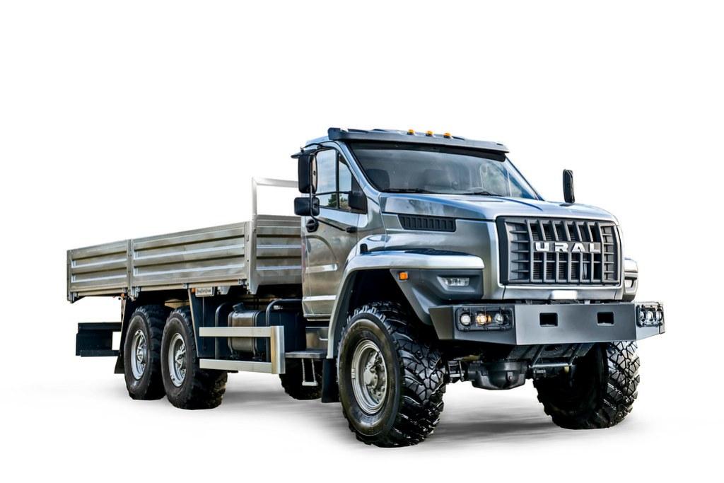 Бортовой грузовик «Урал NEXT» с колёсной формулой 6х6