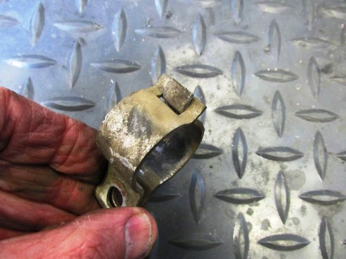 Middle Fairing Bracket Clam Shell Assembly