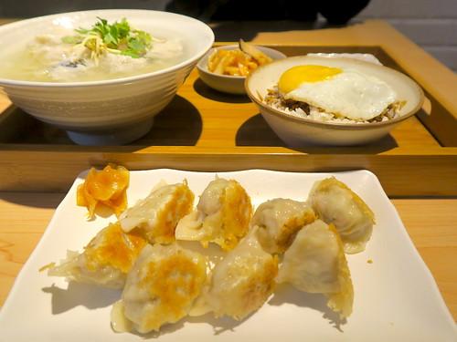 【餐廳】台南「小ㄚ鳳 浮水魚粳」:文青風格店面+吃得到魚肉塊的浮水魚羹