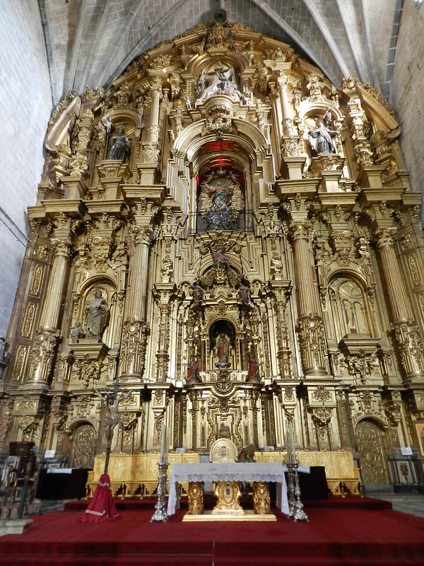 Altar Mayor y Retablo interior Catedral de Santa Maria de la Asuncion Coria Caceres 01