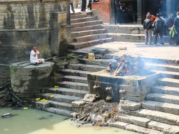 Fuego en Pashupatinath