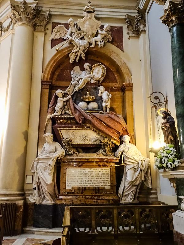 Tumba del rey Fernando VI de España interior Iglesia de Santa Barbara Convento de las Salesas Reales Madrid 01