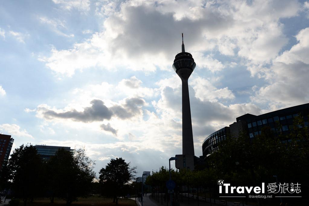 杜塞道夫景點 萊茵塔Rheinturm (3)