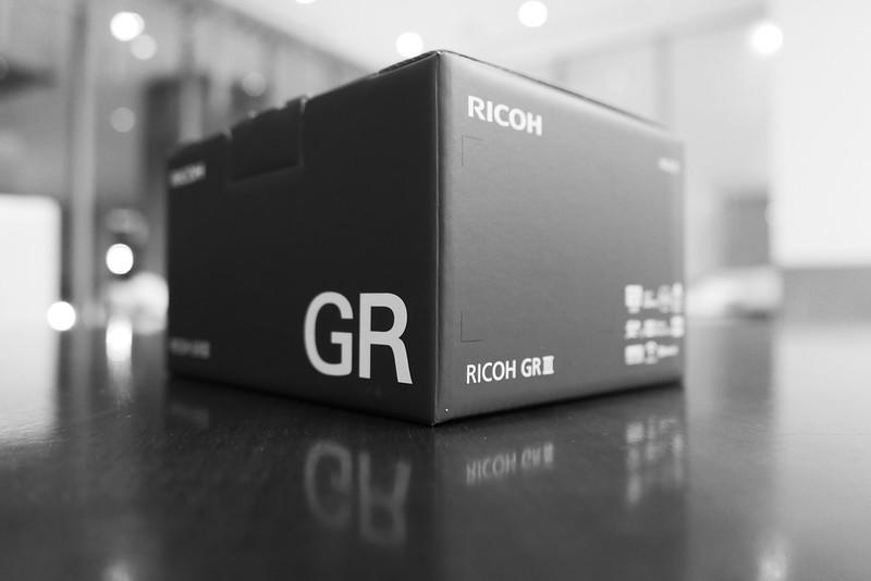 RICOH GR III 01