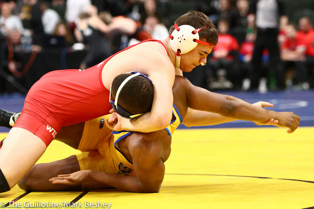 195 - Quarterfinal - Lincoln Shinn (Willmar) 33-1 won by fall over Godswill Pepple (Hastings) 41-11 (Fall 1:45) - 190301amk0054