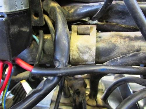 Middle Fairing Bracket Clam Shell Bracket Detail