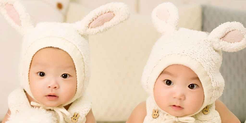 nourrissons-frère-et-soeur-argent-différences