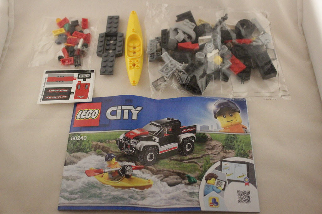 Lego City Great Vehicles Kayak Adventure