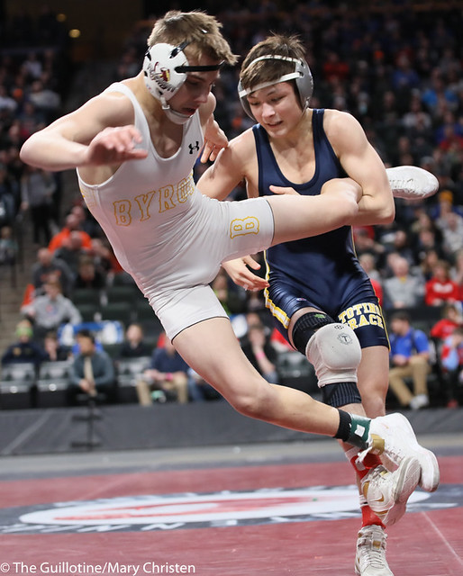 113AA 1st Place Match - Joey Thompson (Totino-Grace) 51-2 won by decision over Maxwell Petersen (Byron) 32-1 (Dec 10-5) - 190302BMC4072