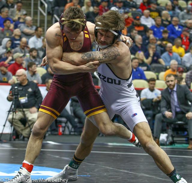 Cons. Semi - Jaydin Eierman (Missouri) 28-4 won by decision over Mitch McKee (Minnesota) 24-8 (Dec 8-5) - 190323emk0012
