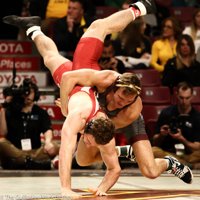 Champ. Round 1 - Devin Skatzka (Minnesota) 24-7 won by major decision over Jake Covaciu (Indiana) 16-10 (MD 10-0) - 1903amk0176