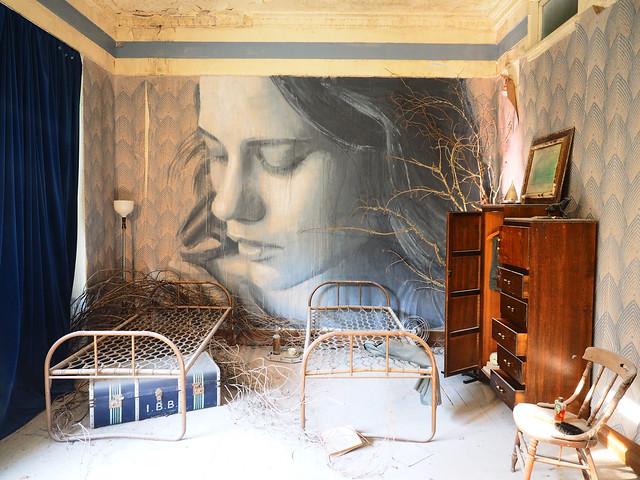 #EmpireRone Blue Room